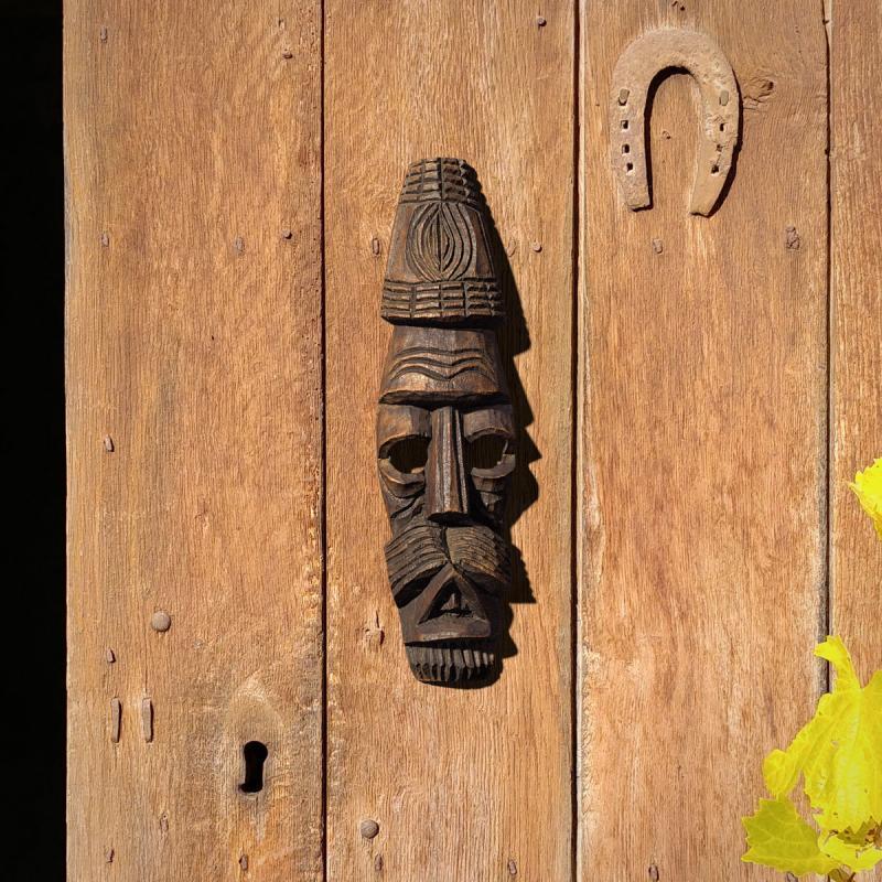Mascara-sobre-porta